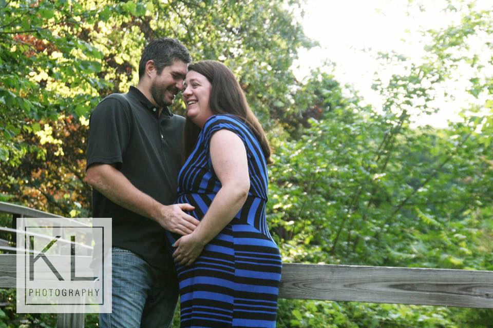 outdoor maternity photo