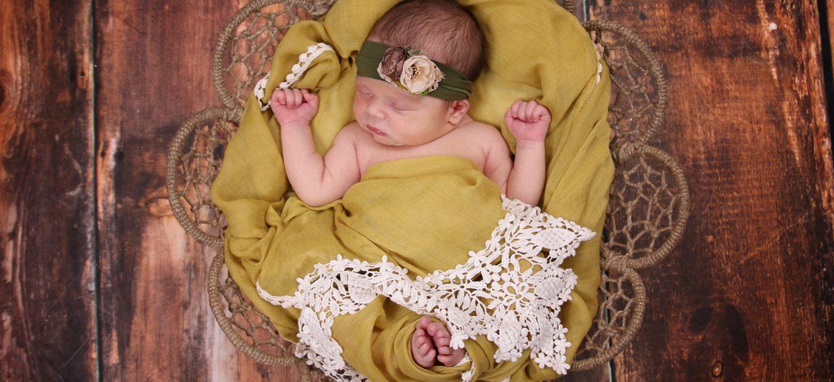 Newborn Portraits with Emma